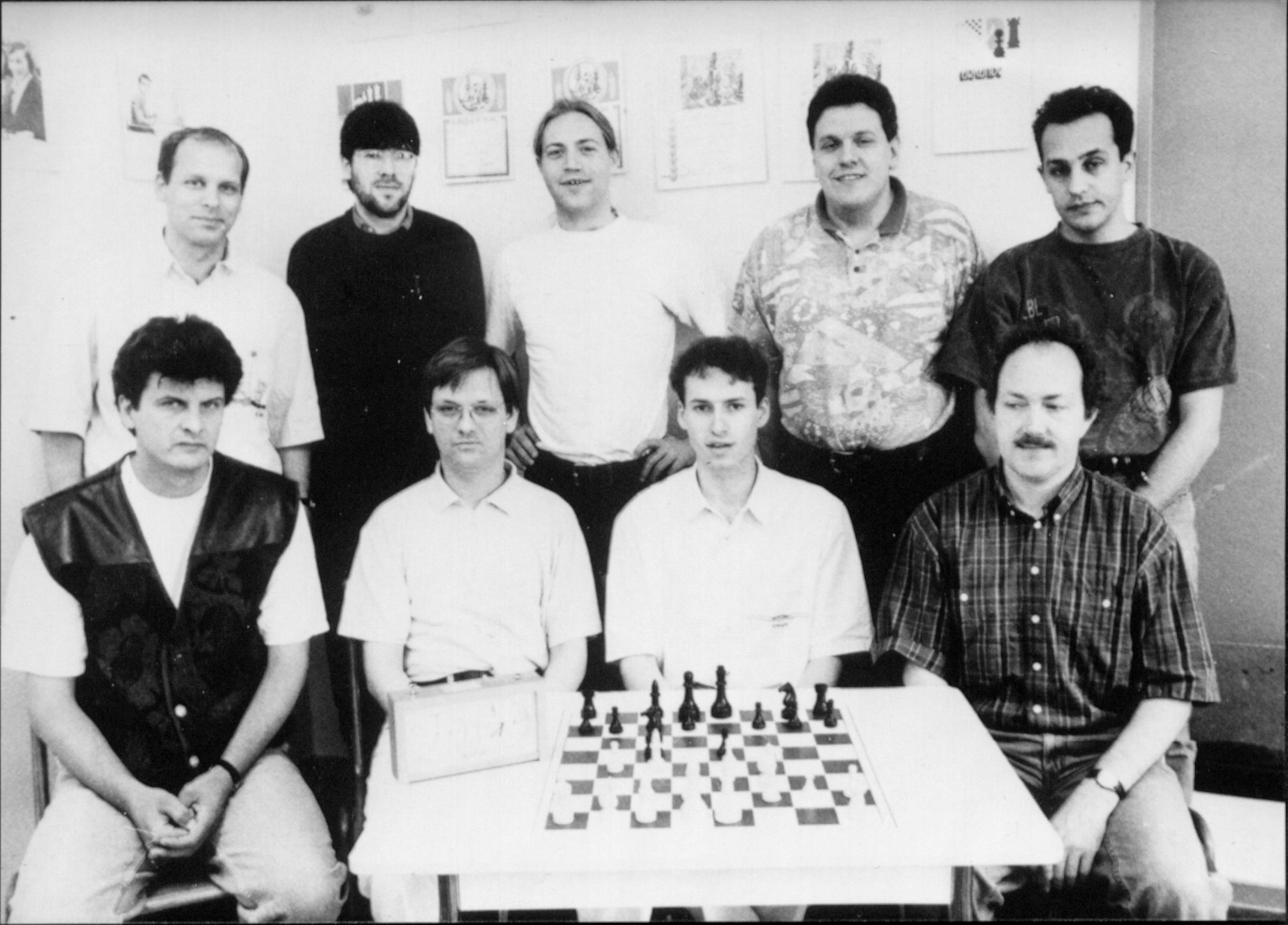 Vorne v.l..: Vladimir Budde, Matthias Röder, Martin Ahn, Gerald Richter. H.v.l.: Norbert Coenen, Klaus Petzold, Thomas Koch, Lothar Oepen, Nikos Begnis